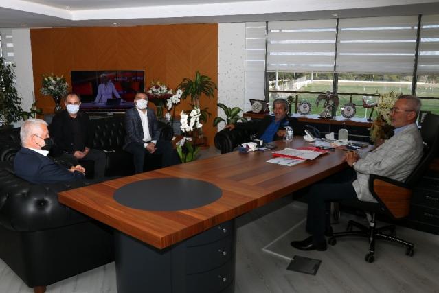 Başkan Yılmaz AGC yönetimini ağırladı