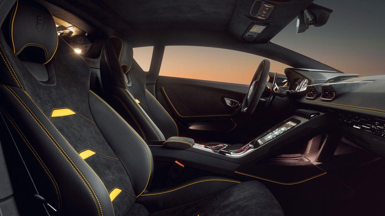 Novitec Lamborghini Huracán EVO RWD iç