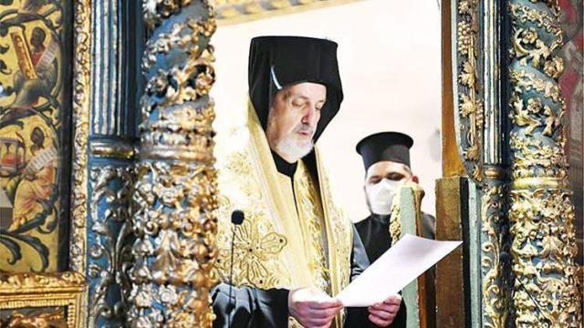 Fener Rum Patrikhanesi'nde itaatsizlik depremi! Kadıköy Metropoliti aforoz edildi
