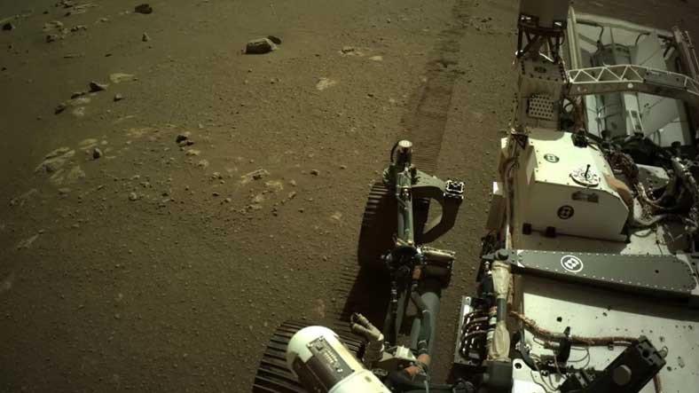 NASA, Perseverance'ın Mars'ta Hareket Ederken Çıkardığı Korkutucu Sesleri Paylaştı